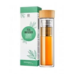 Teeflasche to go aus Glas und Bambus